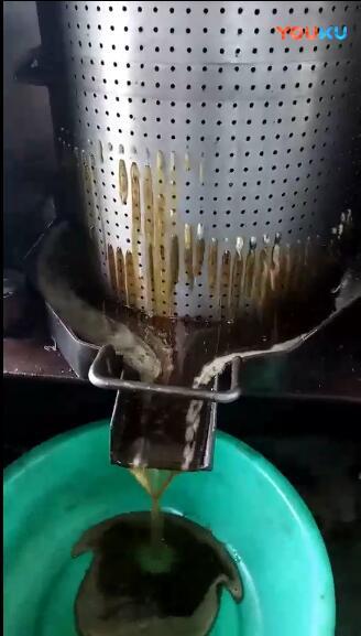 新型液压bob登陆电脑版压榨花椒籽油流程实拍