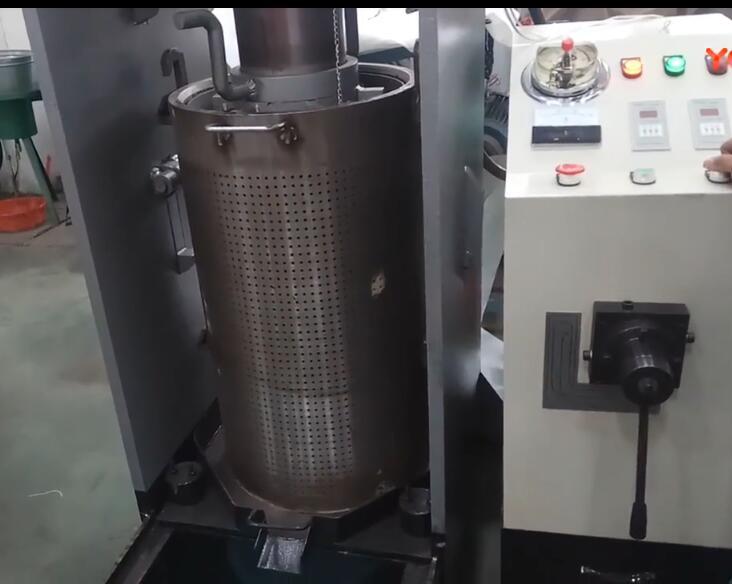 新型全自动液压bob登陆电脑版低温冷榨印楝籽油实拍