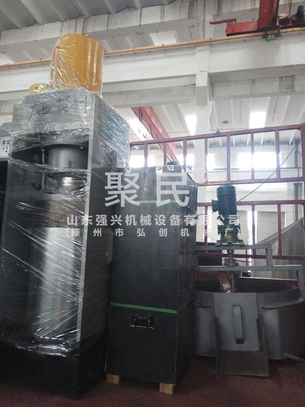 发往广西贺州的新型花生榨油机设备已出厂